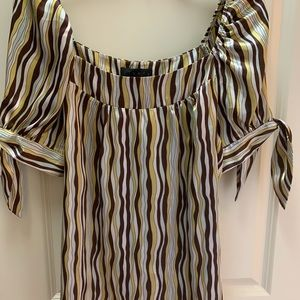 Blouse with cute arm detail